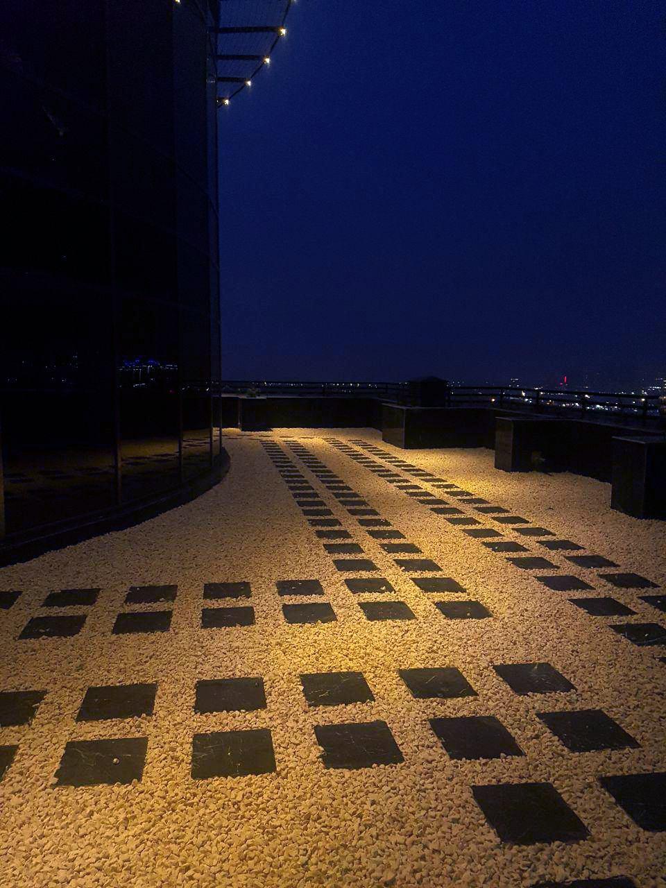 پشت بام برج ایزدیار