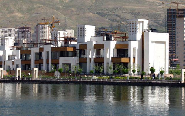 مرکز خرید باملند دریاچه چیتگر منطقه22