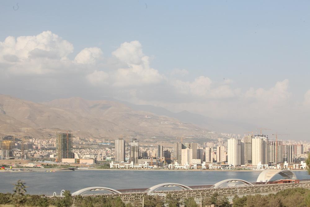 نمای دریاچه چیتگر
